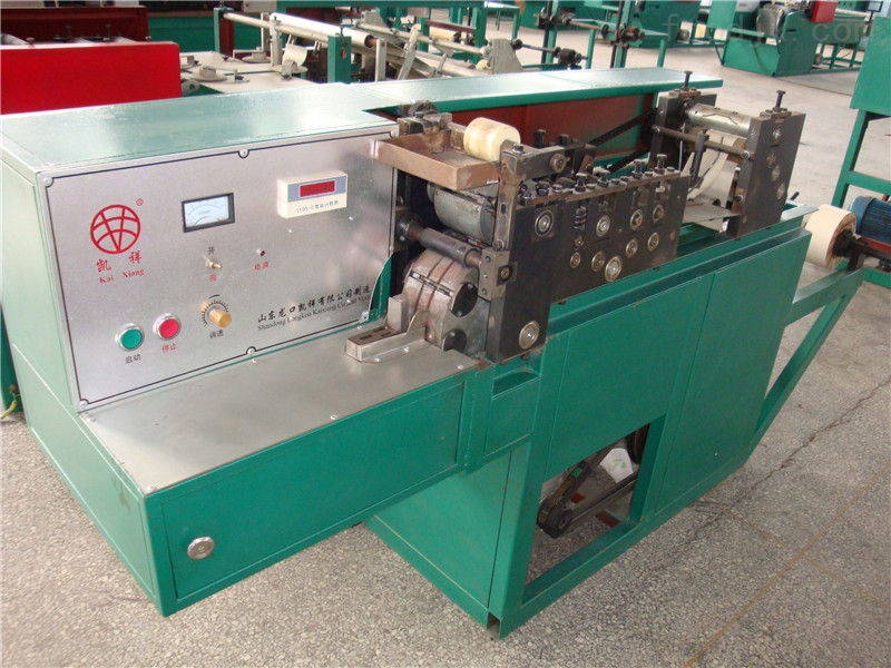 厂家供应生产皇冠梨套袋的机器