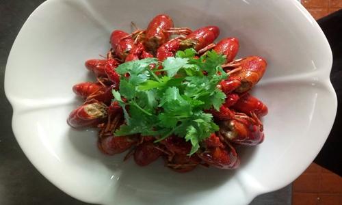 """6月:油炸机保证""""假鸡""""品质 食机让龙虾吃得安全"""