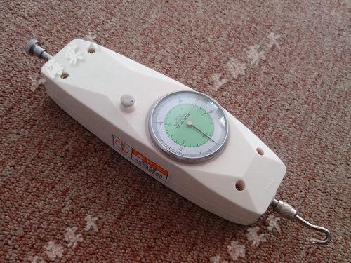 表盘压力测力计图片
