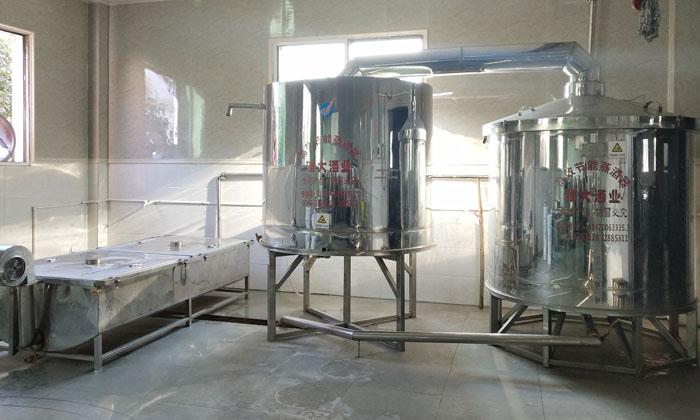 3-开一家酿酒作坊除了一台小型酿酒设备 还要多大的场地和配套设施3